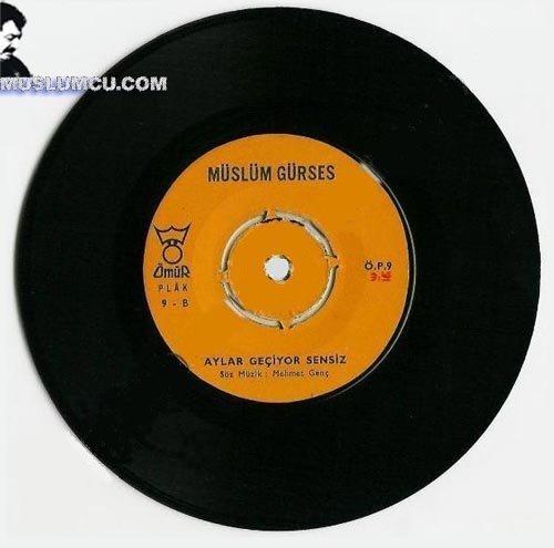 Müslüm Gürses Ömür Plak 9 (1968) albüm kapağı